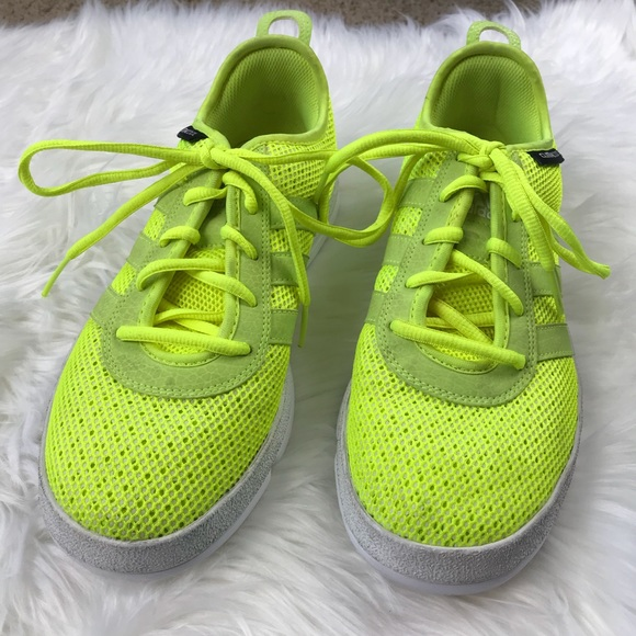 hot sale online a9f15 963cb Adidas Climacool Neon Yellow Tennis Shoes 7 1/2
